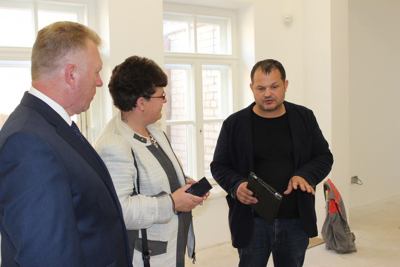 Kultūros paveldo departamento direktorės D. Varnaitės ir Telšių rajono savivaldybės mero V. Kleivos vizitas